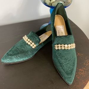 NWOT Marc Fisher Green Velvet Shoes